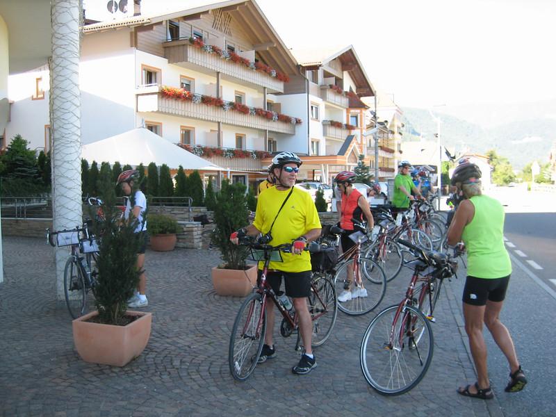 8_1 1starting ride at Hotel Shoenblick.JPG