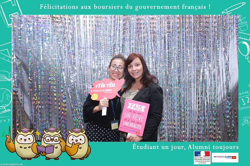 France-Alumni-Vietnam-photobooth-at-Franch-Embassy-Vietnam-photobooth-hanoi-in-hinh-lay-ngay-Su-kien-Lanh-su-quan-Phap-WefieBox-photobooth-vietnam-039.jpg