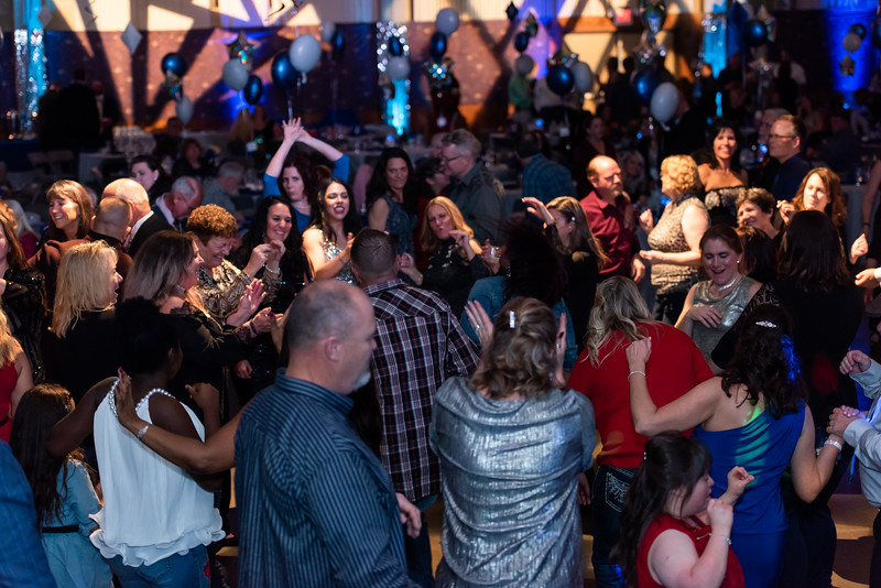 mh2019holidayparty-327.jpg