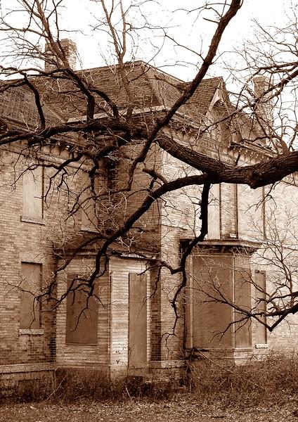 abandoned 19th century house