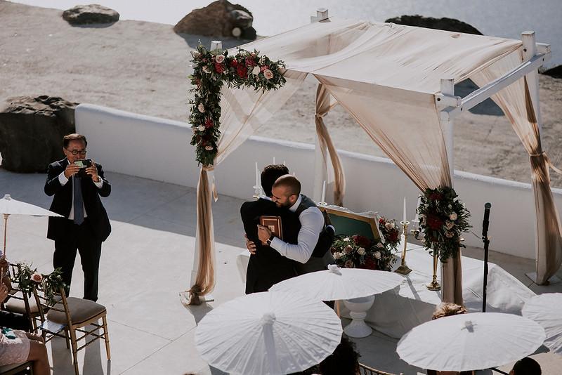 Tu-Nguyen-Destination-Wedding-Photographer-Santorini-Rocabella-Hotel-Euna-Ehsan-383.jpg