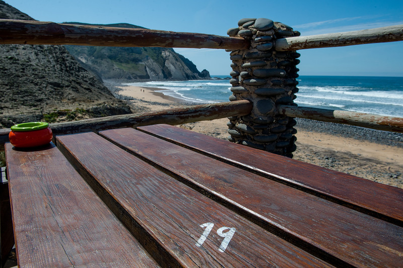 UNITAS BEACH TABLE