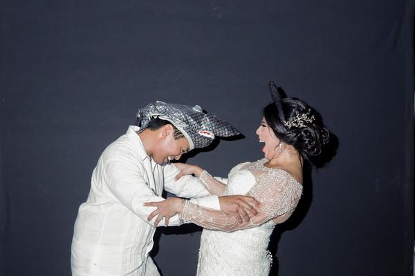 Mayra & Jonathan - Photobooth