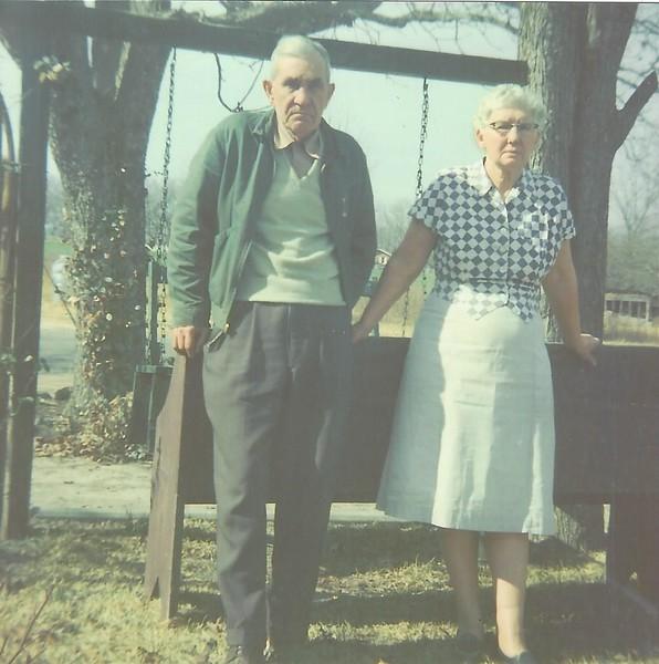 Leon Watson and Omie Lee Watson.jpg
