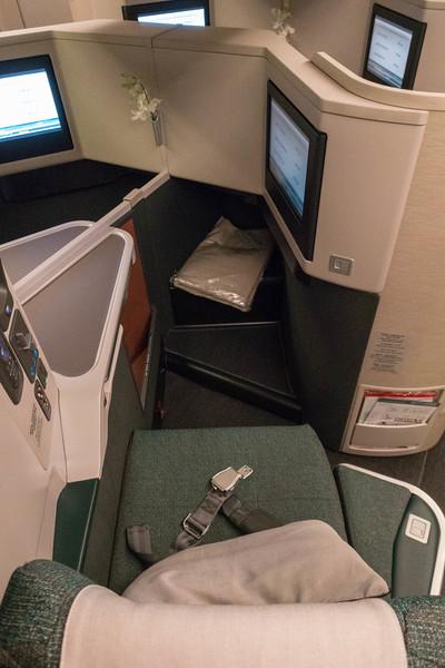 cathay-pacific-premium-economy-11.jpg
