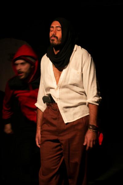 Allan Bravos - Fotografia de Teatro - Indac - Migraaaantes-502.jpg