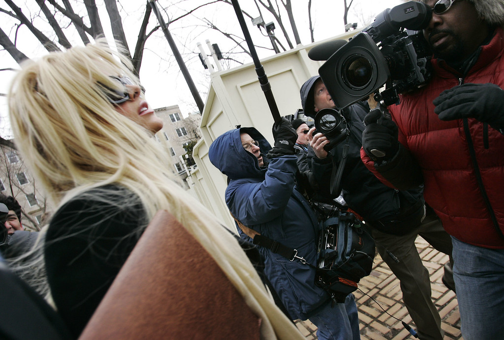 . Anna Nicole Smith, arrives at the U.S. Supreme Court, Tuesday, Feb. 28, 2006, in Washington. With an oil fortune on the line, former stripper Anna Nicole Smith encountered a sympathetic audience at the Supreme Court on Tuesday. (AP Photo/Manuel Balce Ceneta)