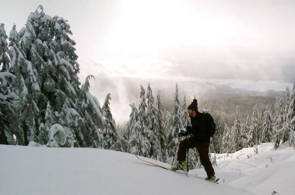 Hollyburn pre work ski