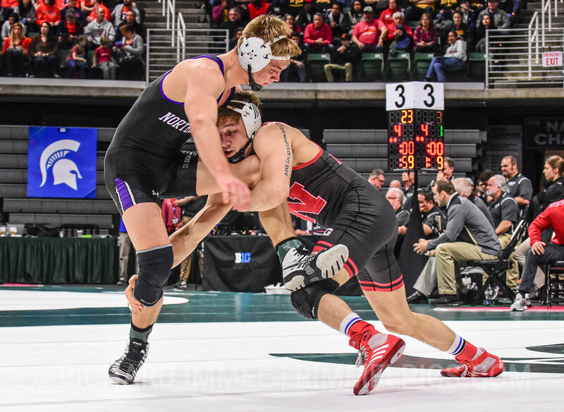 157: Tyler Berger (Nebraska) dec. Shayne Oster (Northwestern), 8-3