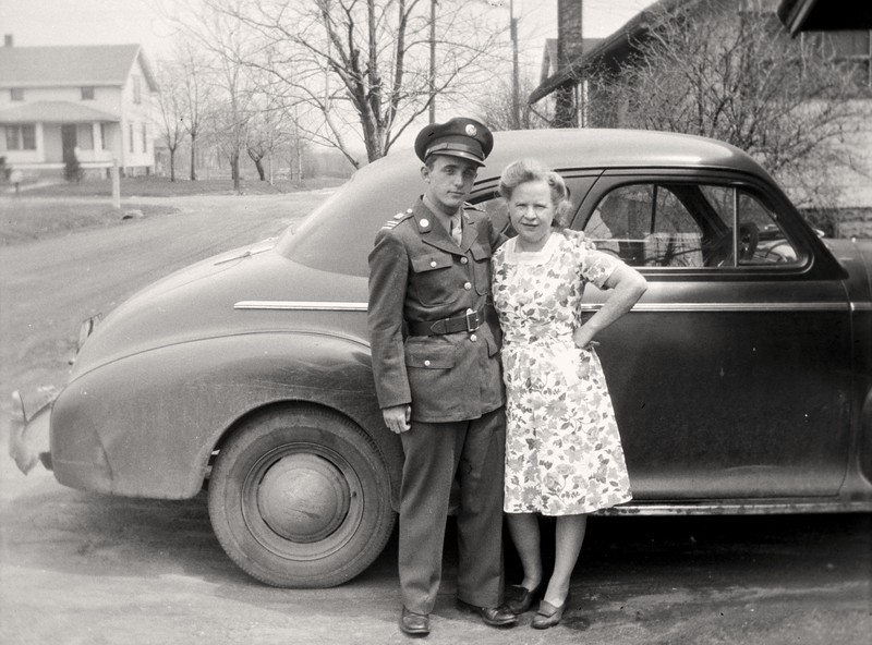 Dad and Grandma 1940-2-2p.jpg