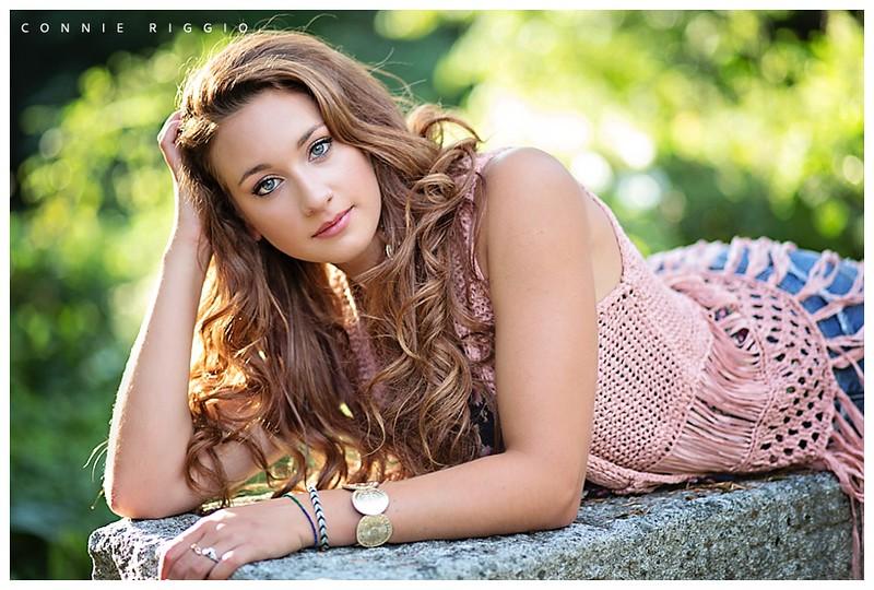 Girl-Senior-Tacoma-Covenant-High-School-Photographer-Meagan_0003.jpg