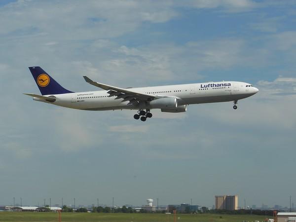 Lufthansa (LH)