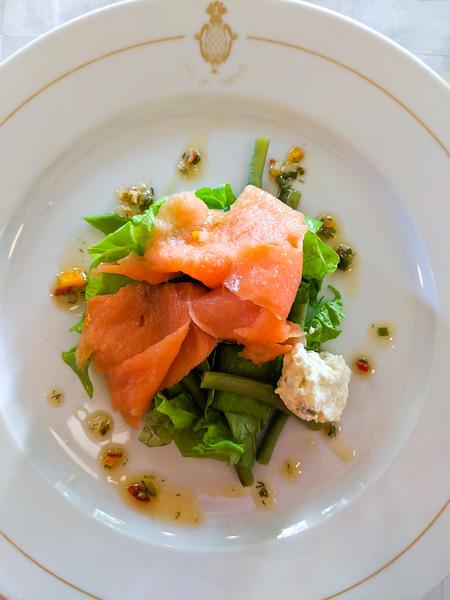 cafe del oriente salmon salad.jpg