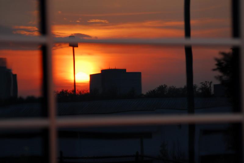 sun build_3040.JPG