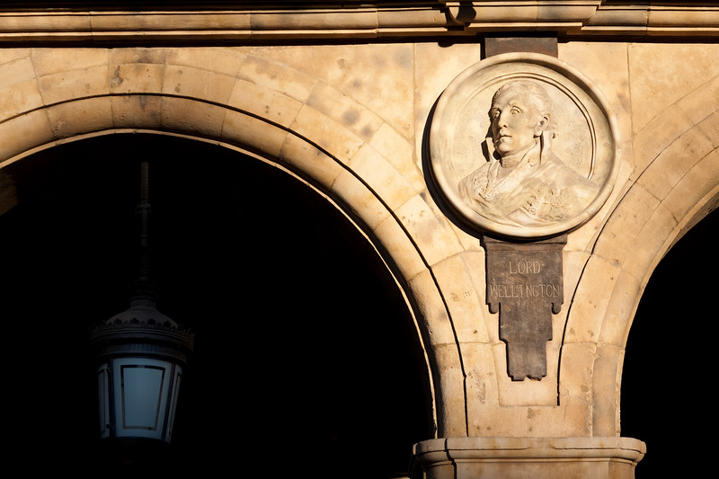 Lord Wellington effigies, Plaza Mayor (Main Square), town of Salamanca, autonomous community of Castilla and Leon, Spain