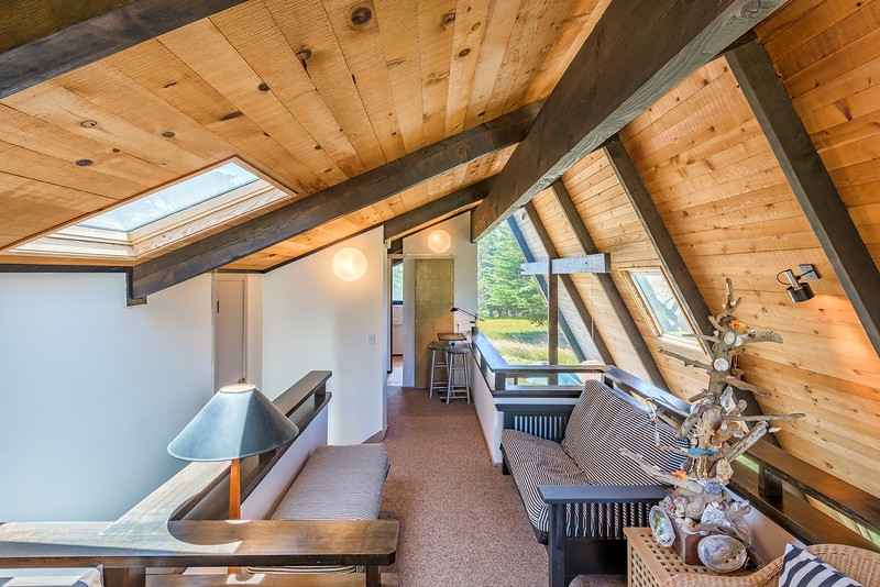 Upstairs Loft, West View