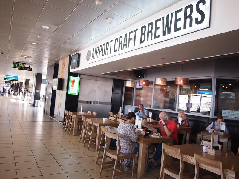 P5025896-airport-craft-brewers.JPG