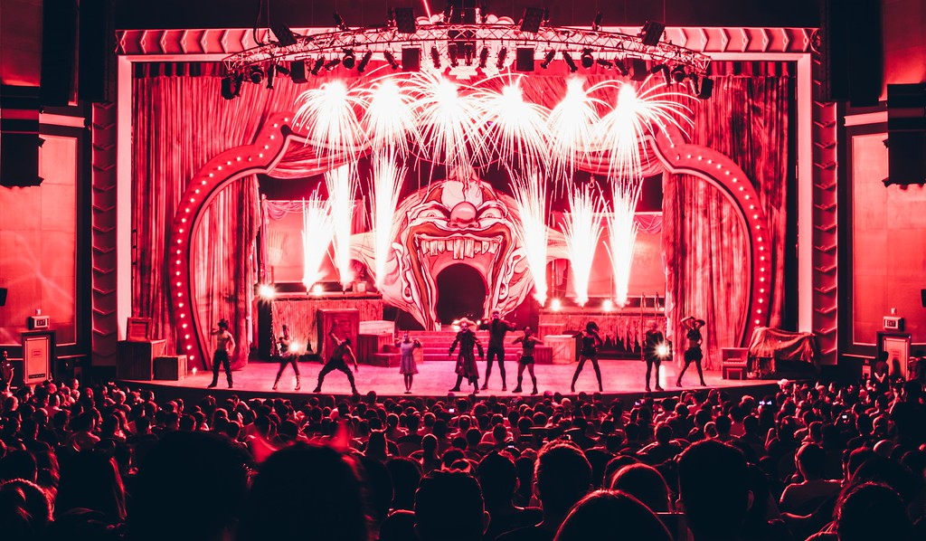 Halloween Horror Nights 6 Final Weekend - Jack's Recurring Nightmare Circus / Stage ignited Finale by TM