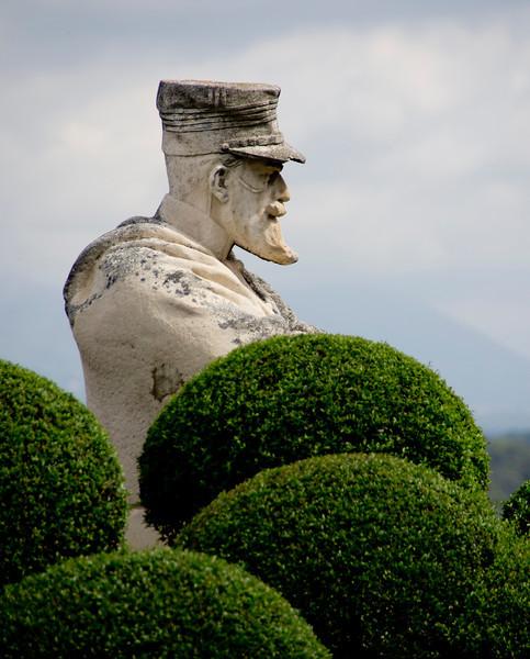 Grass Statue -12.jpg