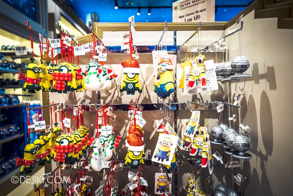 Universal Studios Singapore - Silver Screen Store - Minion Christmas Ornaments