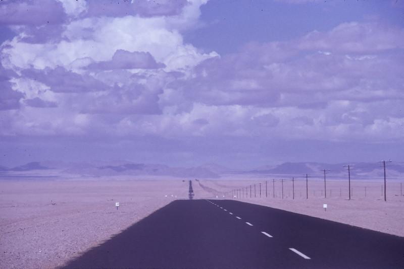 """Namib Desert, Namibia 1995, ©RobAng """"Es weiten sich die Augen, der Horizont und das Gefühl für die eigene Nichtigkeit..."""""""
