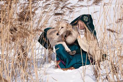 Winter_lady_salukies
