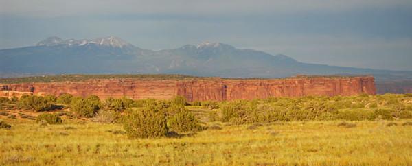 Canyonland-sun-setting2.jpg