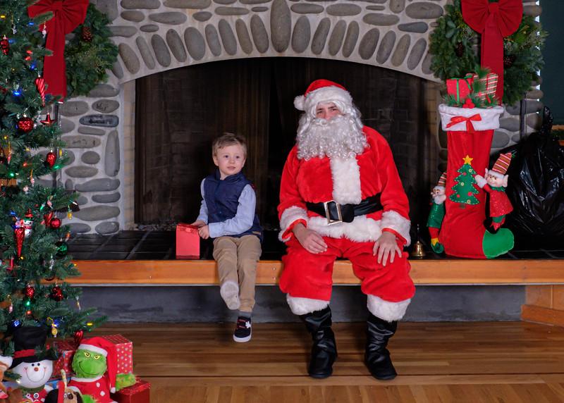 CB Santa 2019-7666.jpg