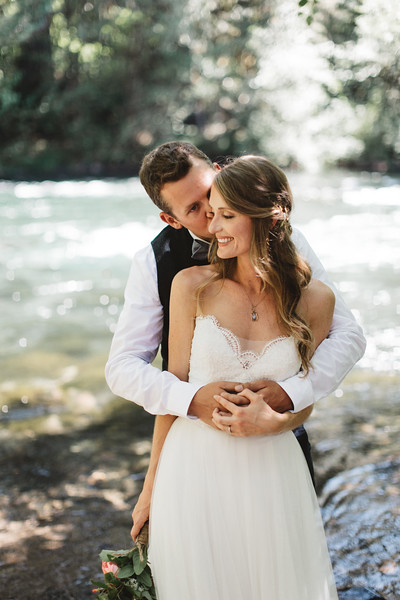 Kyle + Tiffany: Holiday Farm Resort