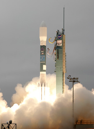 ULA Delta II with Worldview 1 launches from Vandenberg AFB, CA. 09-18-2007