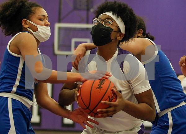 Pioneer girls basketball vs Lincoln 02-25-2021