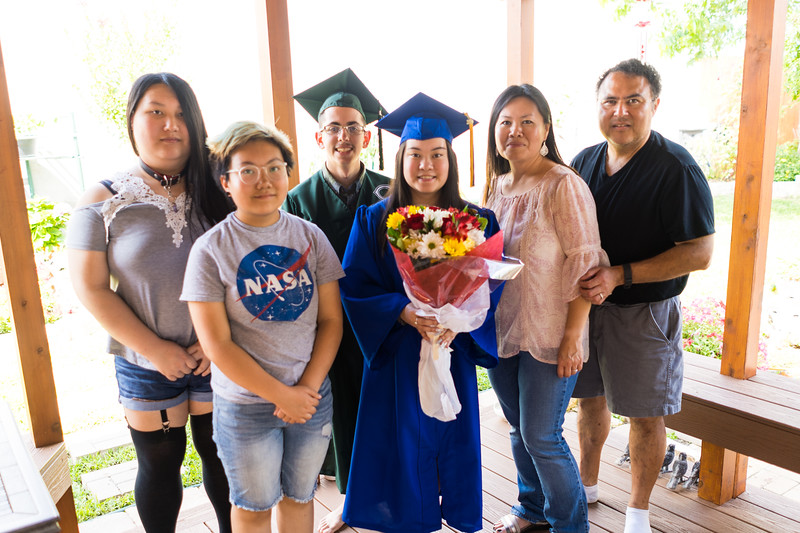 20190602_april-hs-graduation_048.JPG