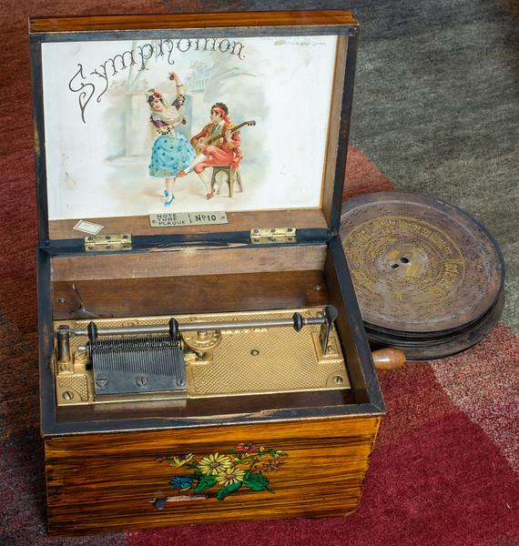 Symposium Music Box
