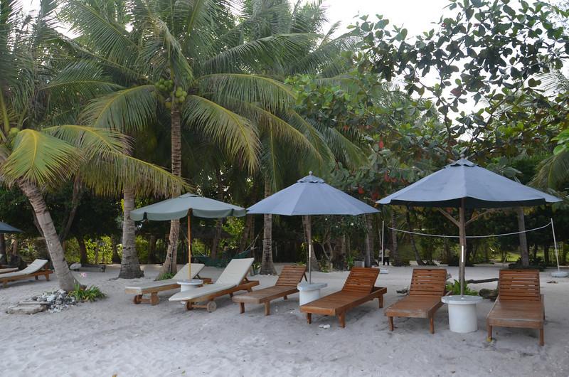 DSC_7010-amarela-resort-beach-chairs.JPG