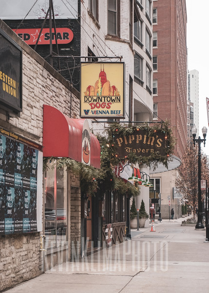 Downtown Dogs & Pippins Tavern