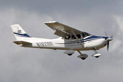 "Cessna 182T ""Skylane"""