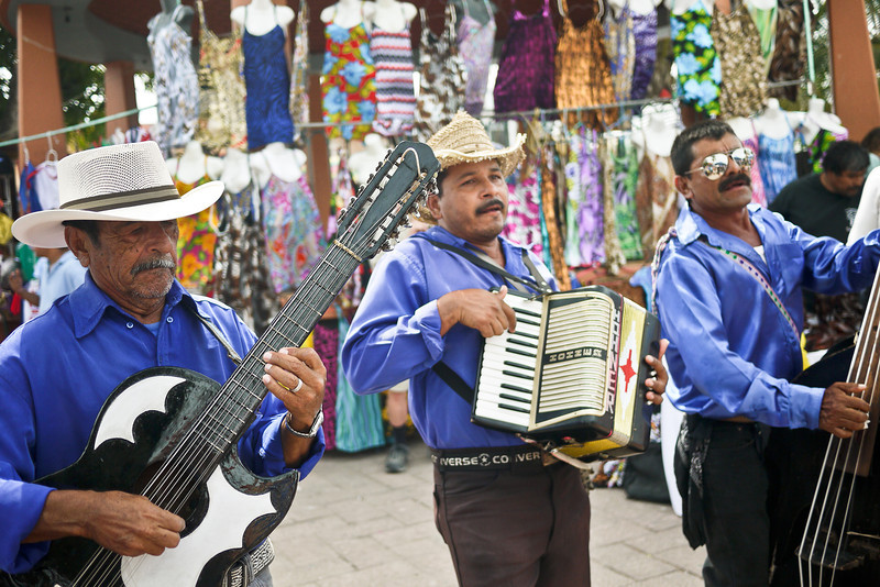 Mariachi band at La Penita market.