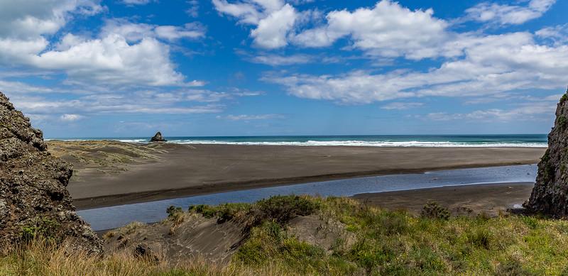 Blick auf die Karekare Beach