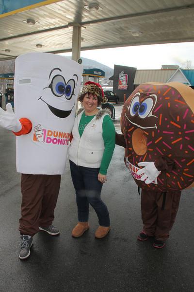 Santa Visits Dunkin Donuts, Valero, Fegley's Mini Mart in Tamaqua (12-21-2013)