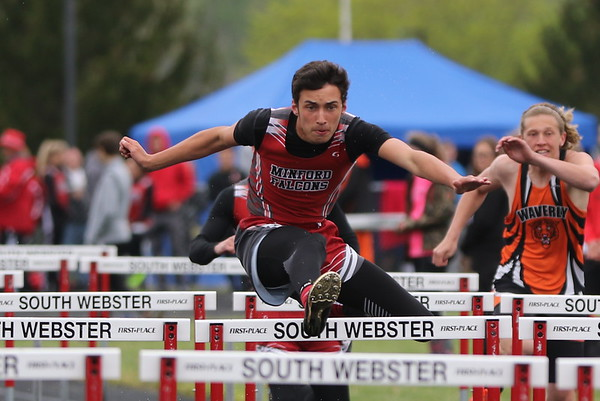 07b Track:  South Webster Invitational: 4x800, 100H, 110H 2017