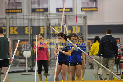 Women's Pole Vault - 2013 Silverston Invitational