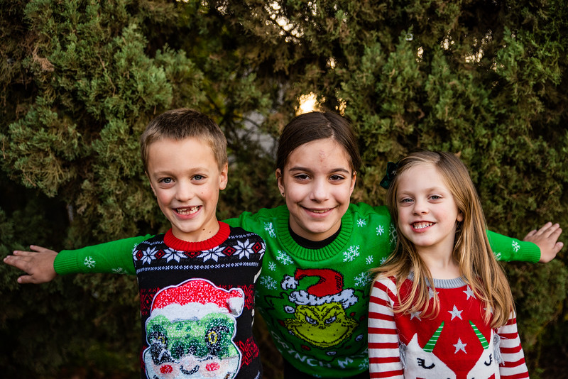 Christmas Sweater Cousins 2020-6805.jpg