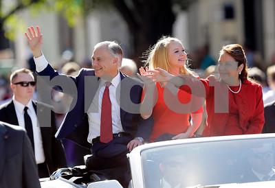 bush-cecilia-abbott-headline-antiabortion-rally-in-texas