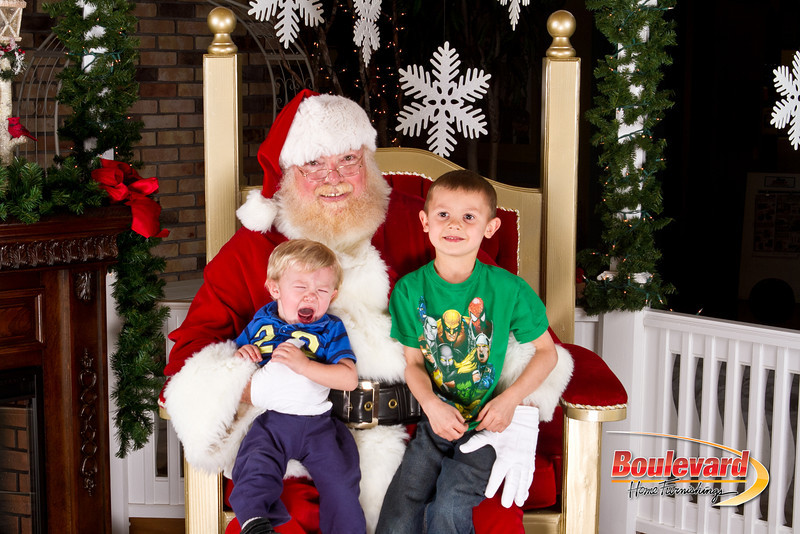 Santa Dec 8-200.jpg