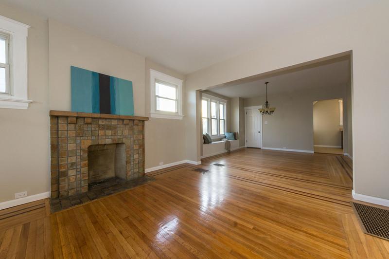 4011-Jefferson-Living_Room-20.jpg