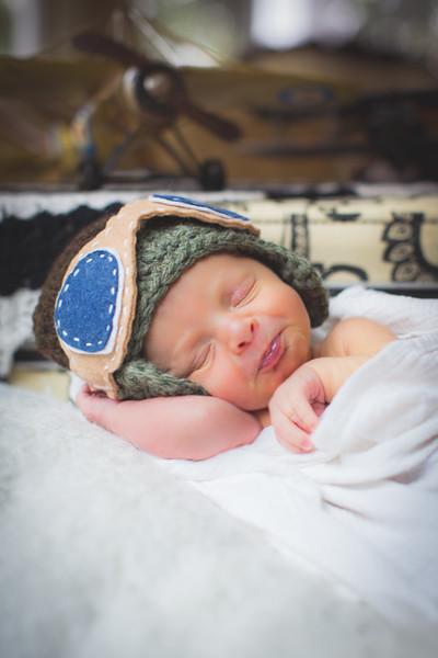 Newborn / Thomas
