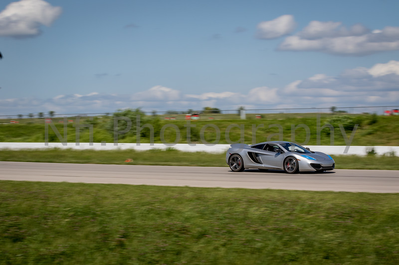 Flat Out Group 1-383.jpg