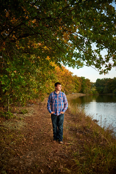 Rhyder-Senior-Portrait-Outdoors-Jefferson-City-MO-Blue-Photos-4.jpg