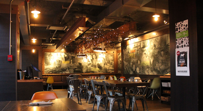 QuebecCity-Restaurant-ChezVictor04.JPG