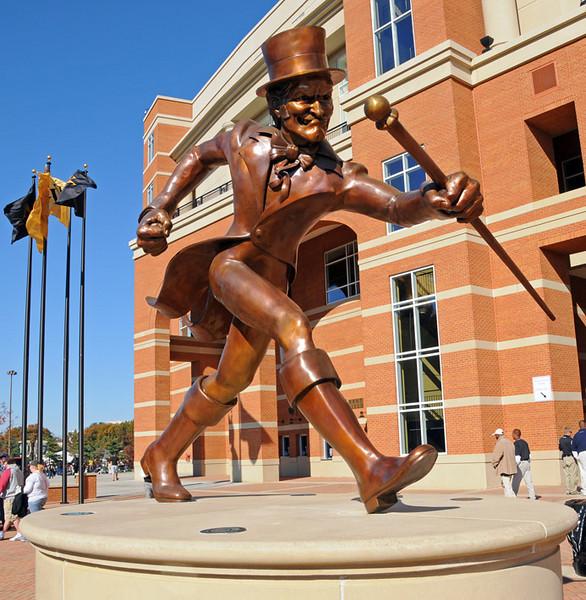 Deacon statue.jpg